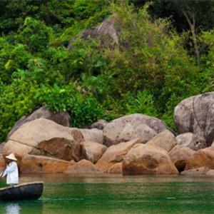 banyan-tree-lang-co-vietnam-holiday-boat-excursion