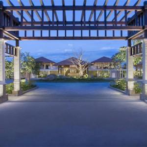 banyan-tree-lang-co-vietnam-holiday-entrance