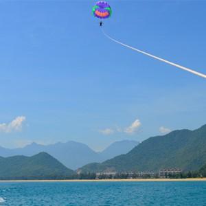 banyan-tree-lang-co-vietnam-holiday-water-skydiving