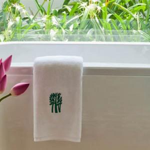 banyan-tree-vietnam-lagoon-pool-villa-bathroom