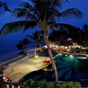 centara-villa-koh-samui-holiday-beach-pool-at-night