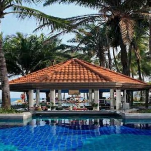 centara-grand-beach-resort-koh-samui-holidays-dip-and-sip