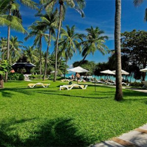 centara-grand-beach-resort-koh-samui-holidays-garden