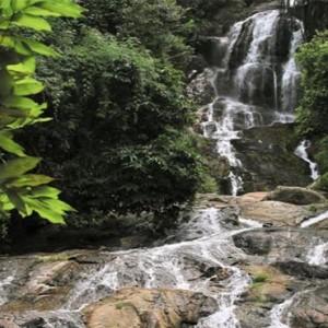 four-seasons-koh-samui-thailand-holiday-waterfall