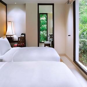 three-bedroom-seaview-hill-pool-villa-twin-room
