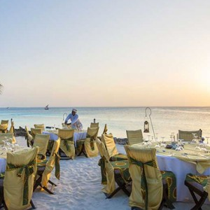 beach-dining-diamonds-la-gemma-dell-est-luxury-zanzibar-holiday-packages