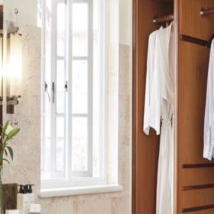 belmond-mount-nelson-hotel-cape-town-holiday-suite-bathroom