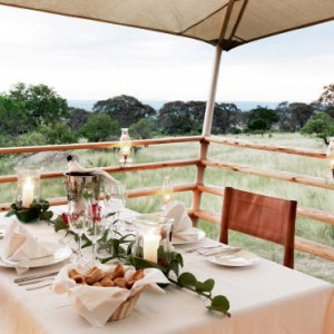 dining-3-serengeti-bushtops-luxury-tanzania-holiday-packages