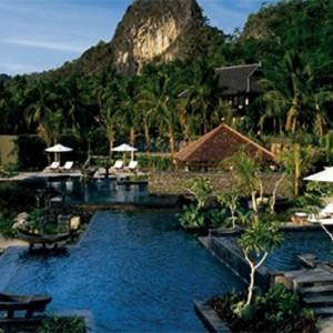four-seasons-langkawi-langkawi-holiday-pool