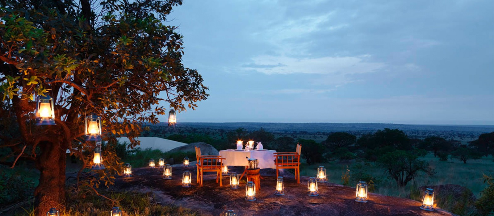 header-serengeti-bushtops-luxury-tanzania-holiday-packages