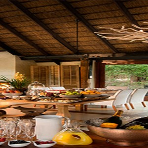 lion-sands-game-reserve-south-africa-river-lodge-breakfast