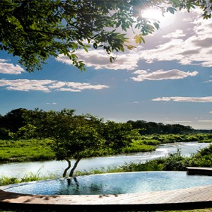 lion-sands-game-reserve-south-africa-tinga-lodge-pool