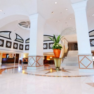 lobby-rembrandt-hotel-bangkok-luxury-bangkok-holiday-packages