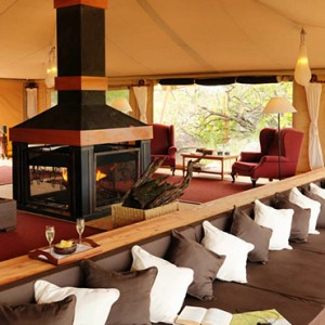 lounge-serengeti-bushtops-luxury-tanzania-holiday-packages