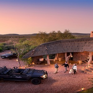 madikwe-safari-lodge-south-africa-holiday-lelapa-lodge-entrance