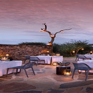 madikwe-safari-lodge-south-africa-holiday-lelapa-lodge-dining-exterior