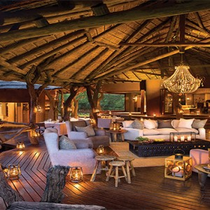 madikwe-safari-lodge-south-africa-holiday-lelapa-lodge-outdoor-lounge