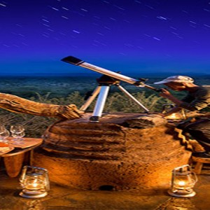 madikwe-safari-lodge-south-africa-holiday-star-gazing-with-telescope