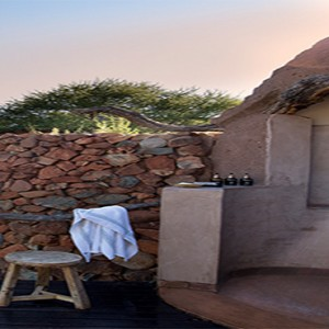 madikwe-safari-lodge-south-africa-holiday-outdoor-shower