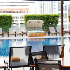 pool-rembrandt-hotel-bangkok-luxury-bangkok-holiday-packages