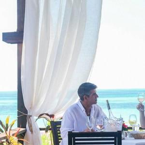 romantic-dinner-keyonna-beach-resort-luxury-antigua-holiday-packages