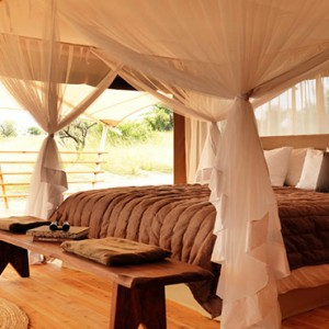 tent-serengeti-bushtops-luxury-tanzania-holiday-packages