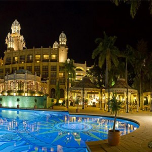 the-palace-of-the-lost-city-south-africa-holidays-palace-pool-deck