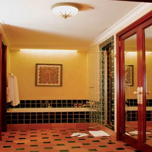 the-palace-of-the-lost-city-south-africa-holidays-superior-suite-bathsuite