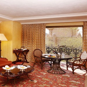 the-palace-of-the-lost-city-south-africa-holidays-superior-suite-lounge