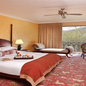 the-palace-of-the-lost-city-south-africa-holidays-superior-suite-room