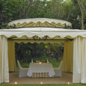 the-palace-of-the-lost-city-south-africa-holidays-the-palace-gazebo
