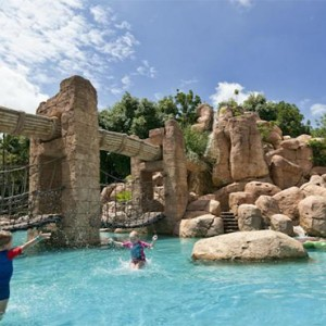 the-palace-of-the-lost-city-south-africa-holidays-pool