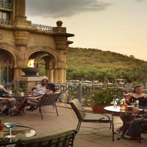 the-palace-of-the-lost-city-south-africa-holidays-tusk-bar-and-lounge