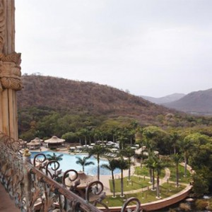 the-palace-of-the-lost-city-south-africa-holidays-view