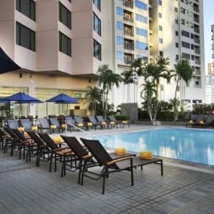 pool-2-rembrandt-hotel-bangkok-luxury-bangkok-holiday-packages