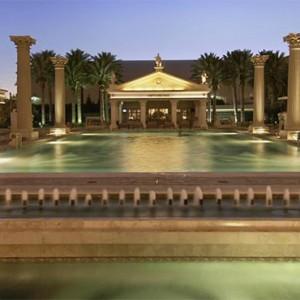 caesars-palace-las-vegas-holiday-pool