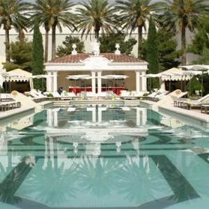caesars-palace-las-vegas-holiday-pool1