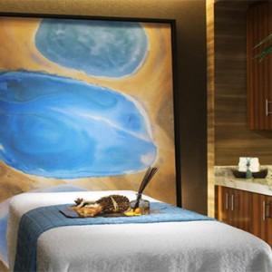 caesars-palace-las-vegas-holiday-spa-room