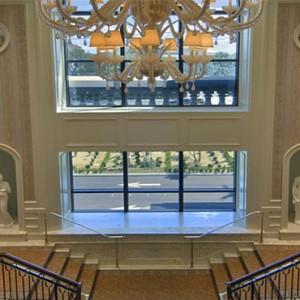 caesars-palace-las-vegas-holiday-staircase