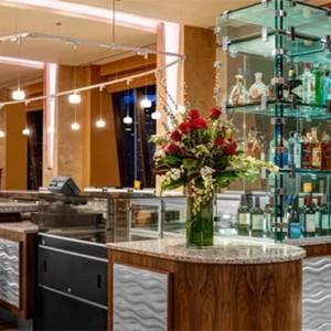 the-hilton-times-square-new-york-holidays-pinnacle-bar