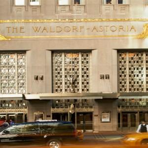 waldorf-astoria-new-york-holiday-astoria-exterior