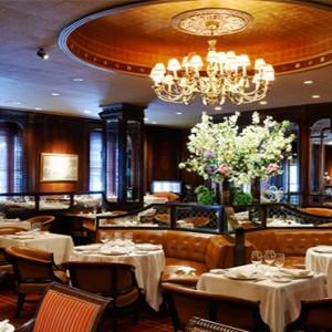 waldorf-astoria-new-york-holiday-bull-and-bear-steakhouse