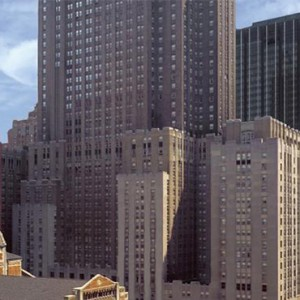 waldorf-astoria-new-york-holiday-rooftop-views