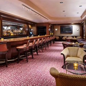 waldorf-astoria-new-york-holiday-sir-harry-lounge