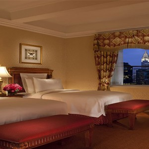 waldorf-astoria-new-york-holiday-superior-guest-room-twin