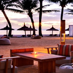 Outrigger Mauritius Beach Resort - Luxury Mauritius Holiday Packages - bar bleu