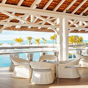 Radisson Blu Azuri Resort and Spa - Luxury Mauritius Holiday Packages - Cyan bar