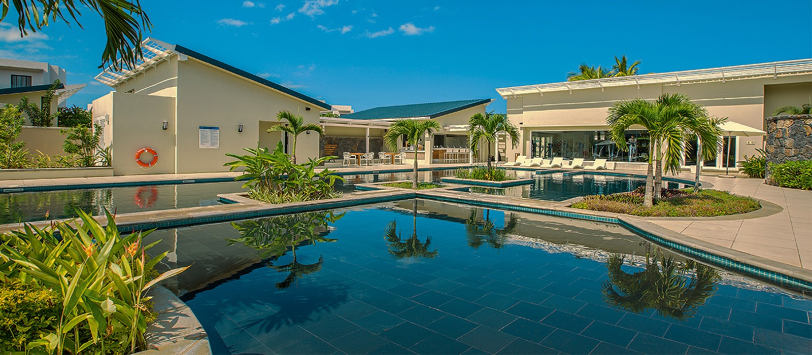 Radisson Blu Azuri Resort and Spa - Luxury Mauritius Holiday Packages - header1