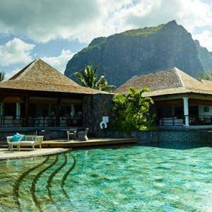 pool 3 - lux le morne mauritius - luxury mauritius holiday packages