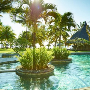 pool - lux le morne mauritius - luxury mauritius holiday packages